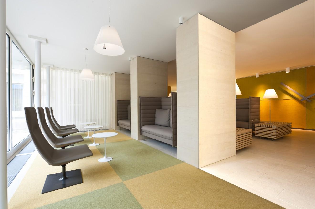 eingangshalle paul ehrlich klinik bad homburg buero weller innenarchitektur. Black Bedroom Furniture Sets. Home Design Ideas