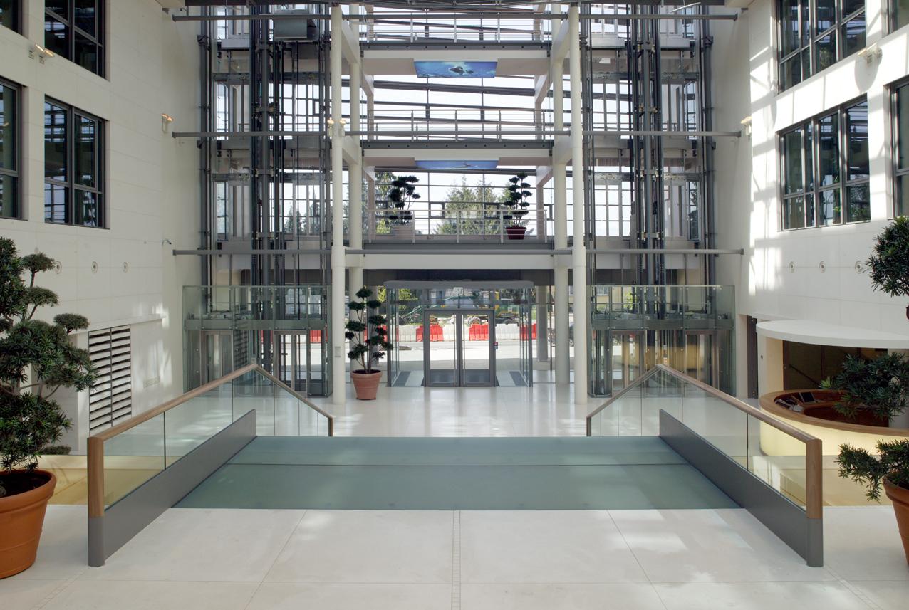 02-Eingangshalle:Aufzüge