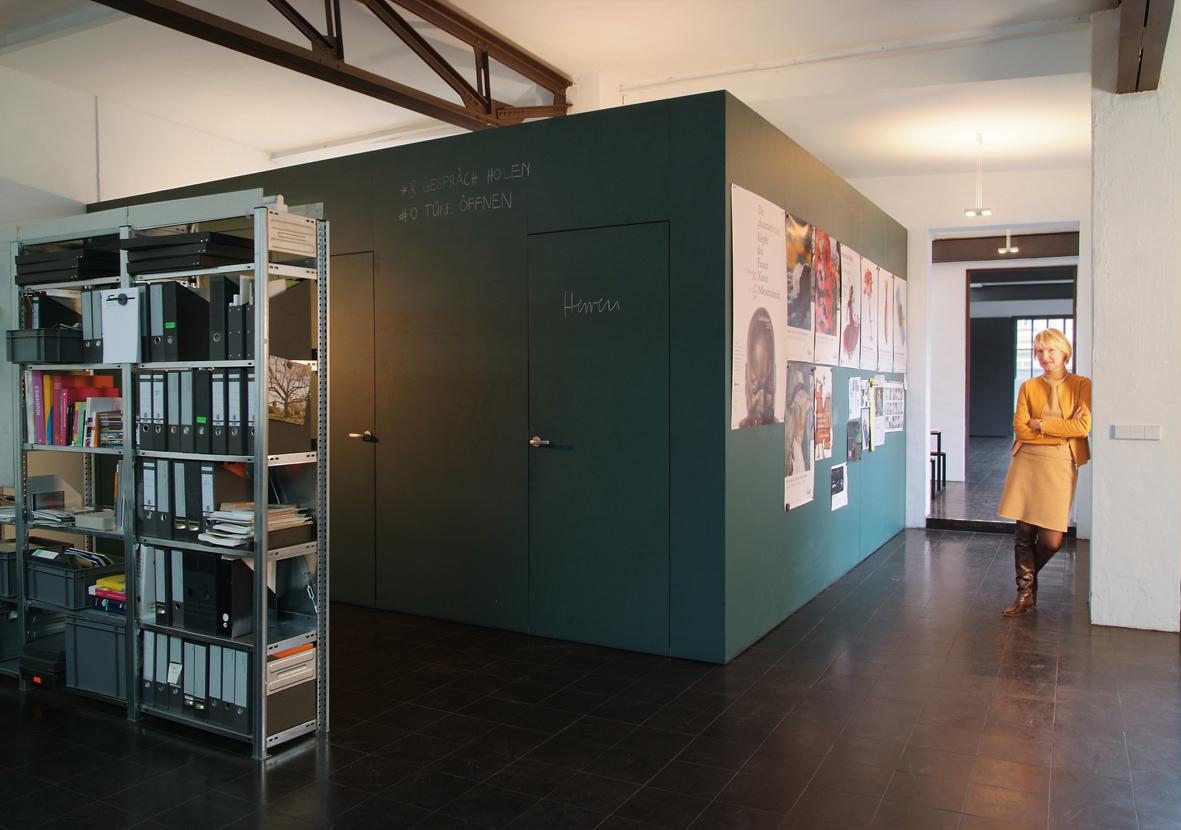 umbau und umnutzung einer industriehalle heine lenz zizka buero weller innenarchitektur. Black Bedroom Furniture Sets. Home Design Ideas