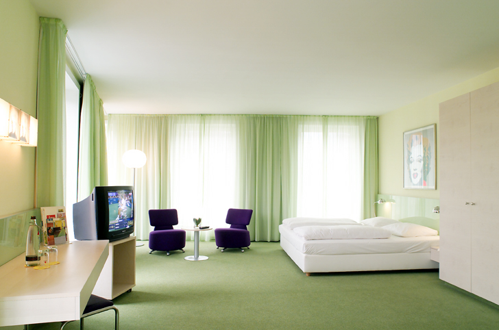 Warhol_Hotel_034_72dpi